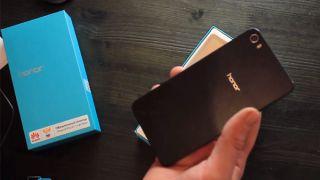 Huawei Honor 6 видео распаковки смартфона