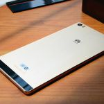 Распаковка 6,8-дюймового фаблета Huawei P8 Max