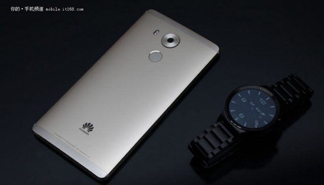 фото комплекта из huawei mate 8 и huawei watch